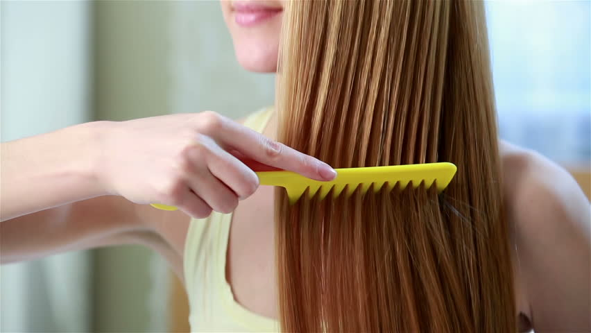 Does Combing Prevents Hair Loss? Know the Best Combing ...
